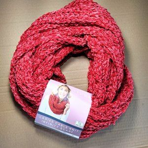 NWT Ladies Red Cable Knit Infinity Scarf